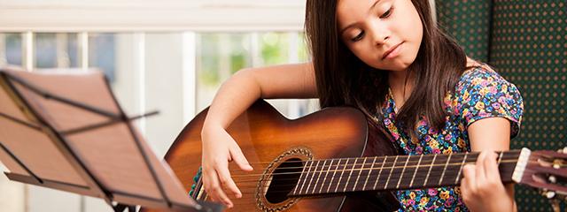 guitariste enfant classique
